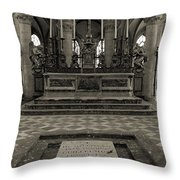 Tomb Of William The Conqueror Throw Pillow