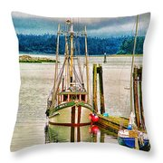 Ucluelet Harbour Hdr Throw Pillow