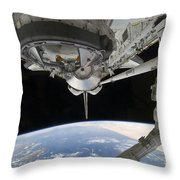 View Of Space Shuttle Discovery Throw Pillow by Stocktrek Images