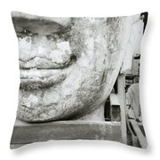 Wat Jedlin Throw Pillow