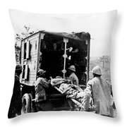 Wounded At The Battle Of Somme - Wwi -- France Throw Pillow