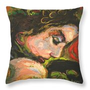 L'amoureuse  Throw Pillow