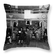 Uso Show May 5 1944 Black White 1940s Archive Throw Pillow