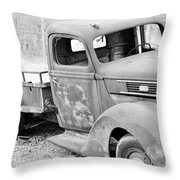B/w138 Throw Pillow