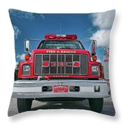 Burnington Iolta Fire Rescue - Tanker Engine 1550, North Carolina Throw Pillow