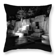 Fdr Memorial Water Wall Throw Pillow