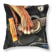 Musikant Throw Pillow