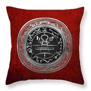 Silver Seal Of Solomon - Lesser Key Of Solomon On Red Velvet  Throw Pillow