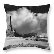 Totem Pole Monument Valley Throw Pillow