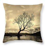 Wanaka Tree - New Zealand Throw Pillow