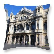 Barcelone Throw Pillow