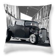 1932 Ford 'deuce' Coupe I Throw Pillow