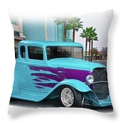 1932 Ford 'down Town' Coupe Throw Pillow
