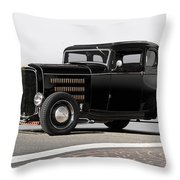 1932 Ford 'louvered' Coupe Throw Pillow