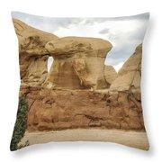 Entrada Sandstone Hoodoos Devil's Garden Throw Pillow