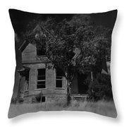 Film Homage Anthony Perkins Janet Leigh Alfred Hitchcock Psycho 1960 Vacant House Black Hills Sd '65 Throw Pillow
