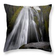 Gljufrabui Throw Pillow