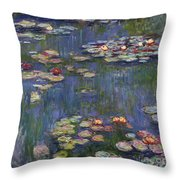 Water Lilies, 1916 Throw Pillow