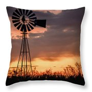 2017_09_midland Tx_windmill 7 Throw Pillow
