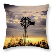 2017_09_midland Tx_windmill 9 Throw Pillow