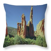 210806-h Spires In Garden Of The Gods Throw Pillow