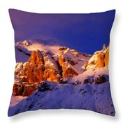 Landscape Of Throw Pillow