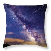 A Northern View Of The Milky Way Throw Pillow