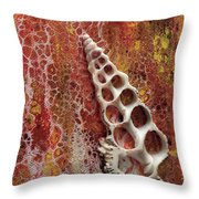 Abstraque Artique Throw Pillow