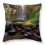 Afternoon Delight At Upper Bridal Veil Falls Throw Pillow