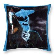 Amazzone Notturna Throw Pillow