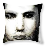 Andriej Throw Pillow