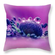 Anemone 05-1 Throw Pillow