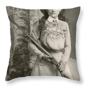Annie Oakley With A Rifle, 1899 Throw Pillow