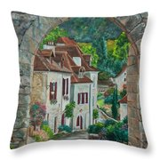 Arch Of Saint-cirq-lapopie Throw Pillow
