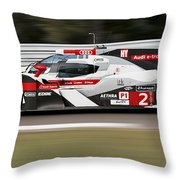 Audi R18 E-tron, Le Mans - 02 Throw Pillow
