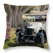 Auto: Morris-cowley 1924 Throw Pillow