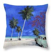 Auto Sulla Spiaggia Throw Pillow