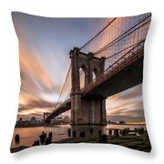 B R O O K L Y N - B R I D G E  Throw Pillow
