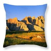 Badlands Buttes, South Dakota Throw Pillow