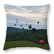 Ballon Festival  Throw Pillow