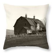 Barn Vermont Horizontal Throw Pillow