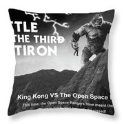 Battle For The Third Flatiron Throw Pillow