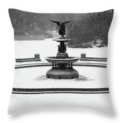 Bethesda- Angel Of The Waters Throw Pillow