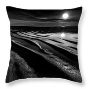 Black And White Beach - Low Tide Throw Pillow