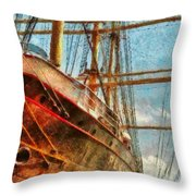 Boat - Ny - South Street Seaport - Peking Throw Pillow by Mike Savad