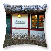Bomhuset Throw Pillow