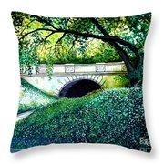 Bridge To New York Throw Pillow