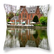 Bruges Kasteel Minnewater Throw Pillow