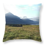 Bulandstindur Throw Pillow