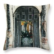 Calle Tapachula - 2 Doors Open Throw Pillow